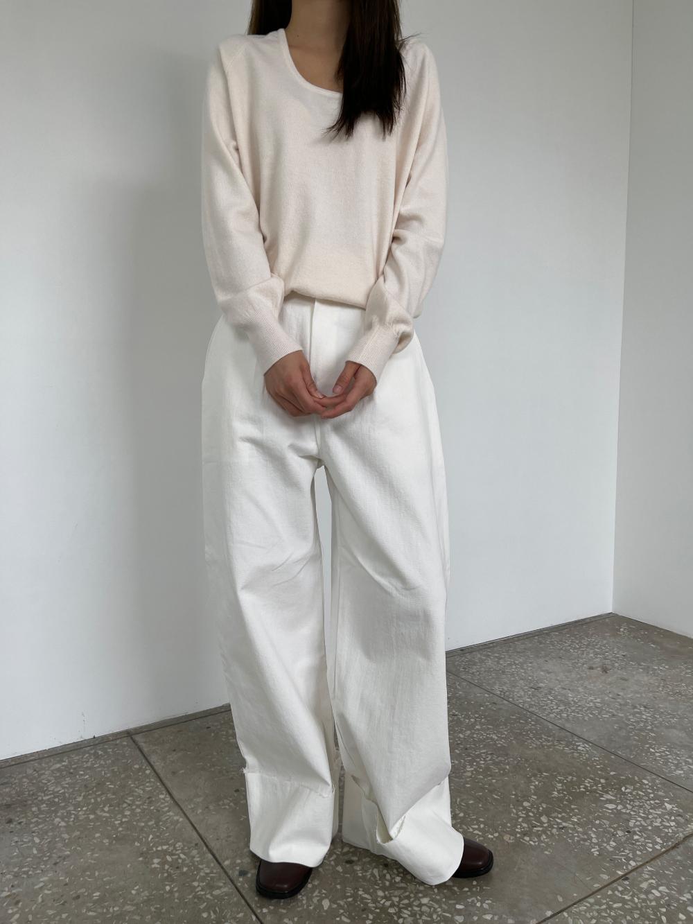 반팔 티셔츠 모델 착용 이미지-S3L6