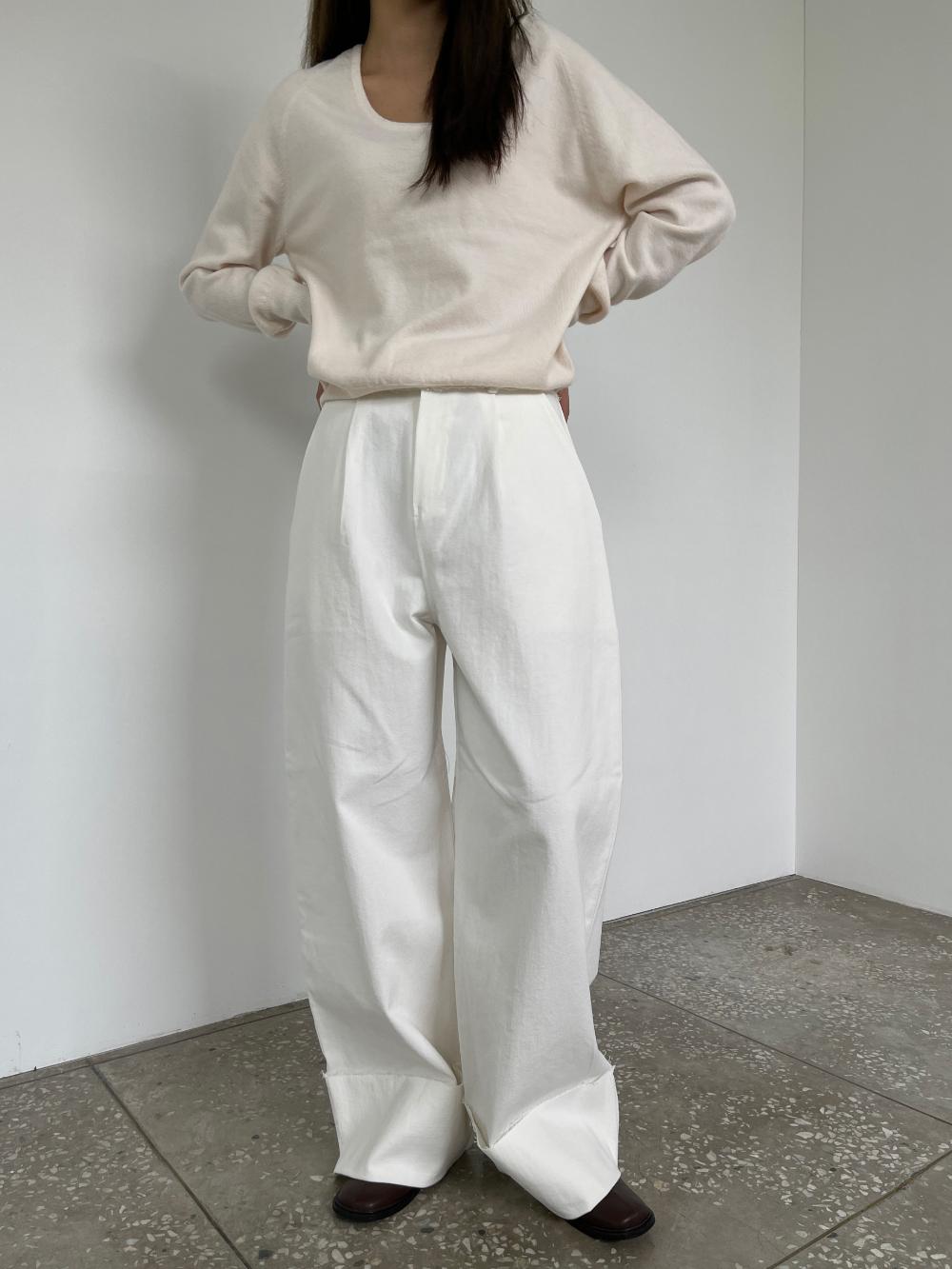 반팔 티셔츠 모델 착용 이미지-S3L7