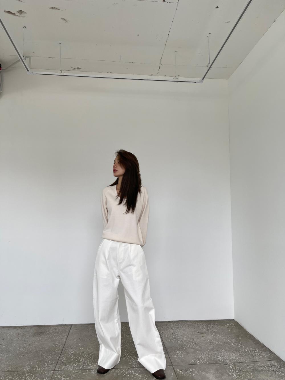 반팔 티셔츠 모델 착용 이미지-S3L12